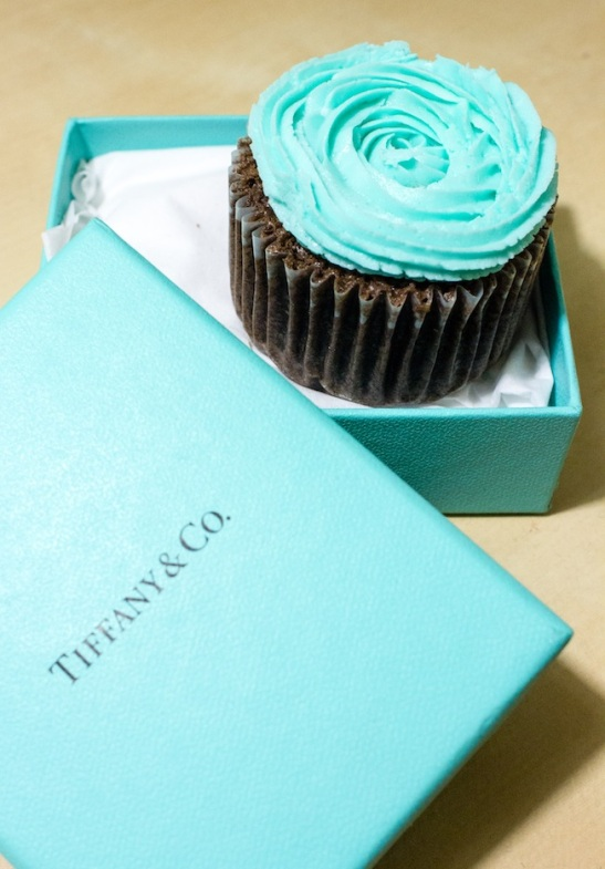 apr 28 - tiffany cupcakes (2 of 4)